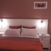 Hotel San Martin double room bed