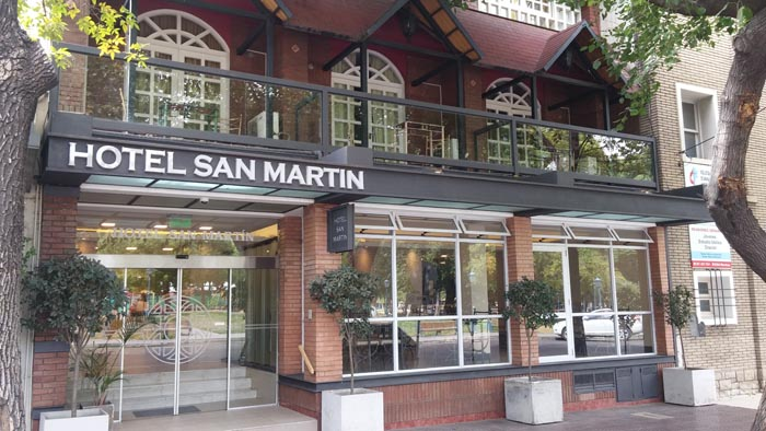 Hotel San Martin Front